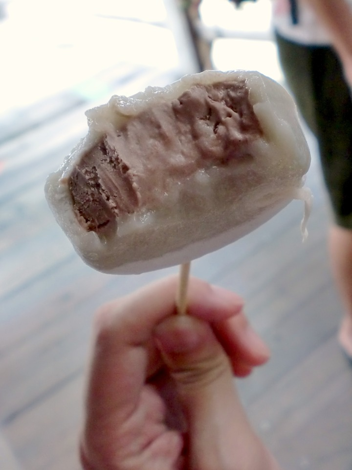 Chocolate Mochi Ice Cream