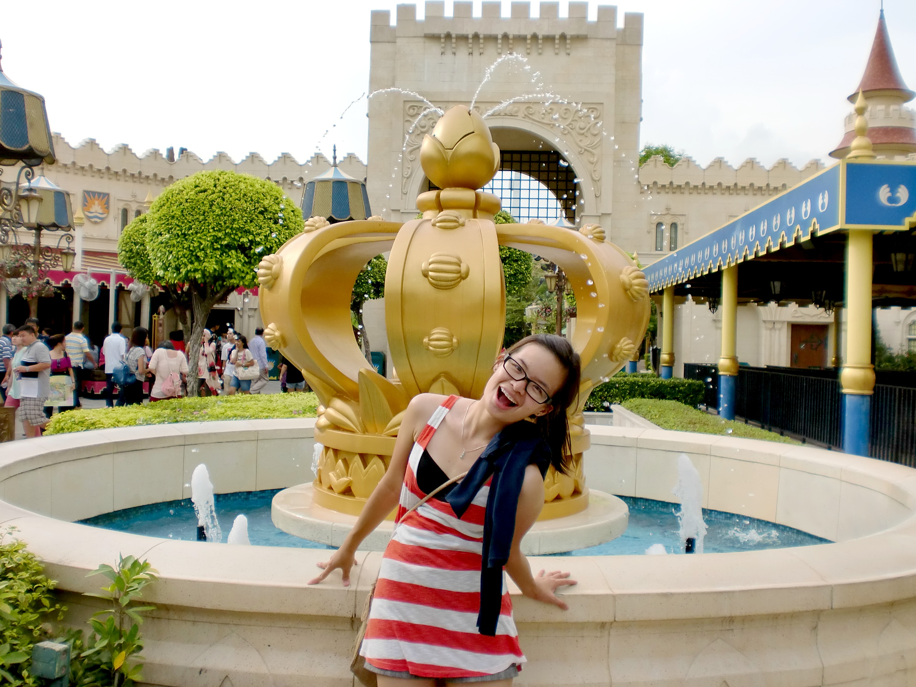 A Day In The Movies Universal Studio Singapore Sharon Loh Tiket Singapura Anak Pinocchio Far Away
