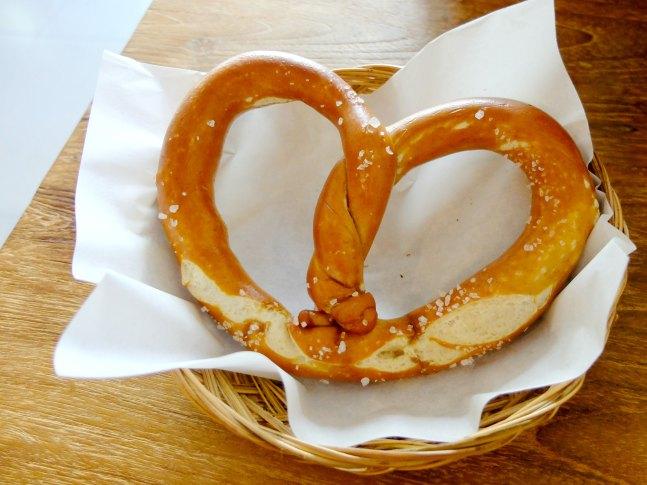 Pretzel Bread Basket Sanur