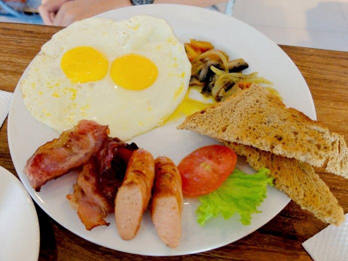 English Breakfast at Bread Basket Sanur