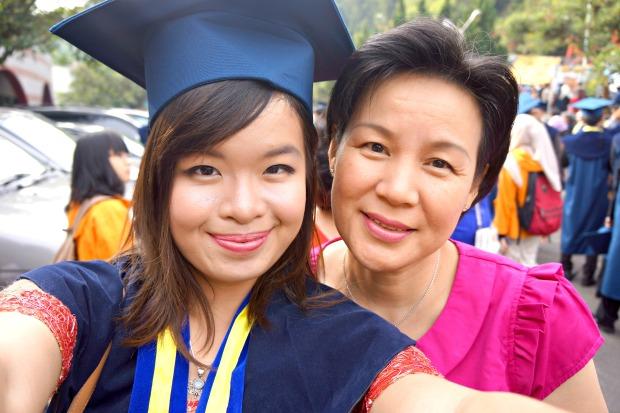 Sharon Loh Graduation Institut Teknologi Bandung