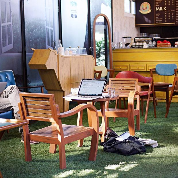 Current_favorite_working_place._Coffee_here_is_a_no_no__though._____sharontravelogue__ChiangMai__Thailand__WorkPlace__CoffeeShop